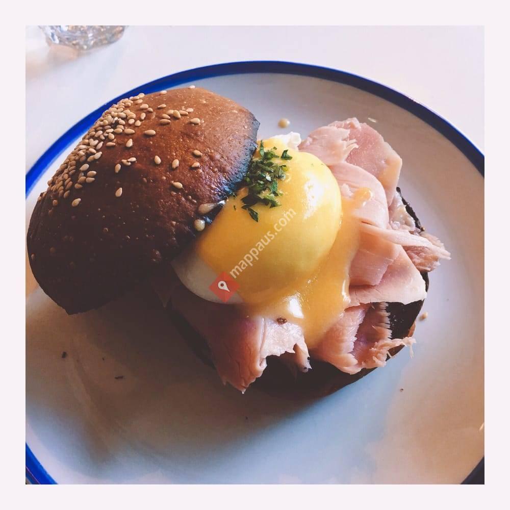 Gnome Cafe