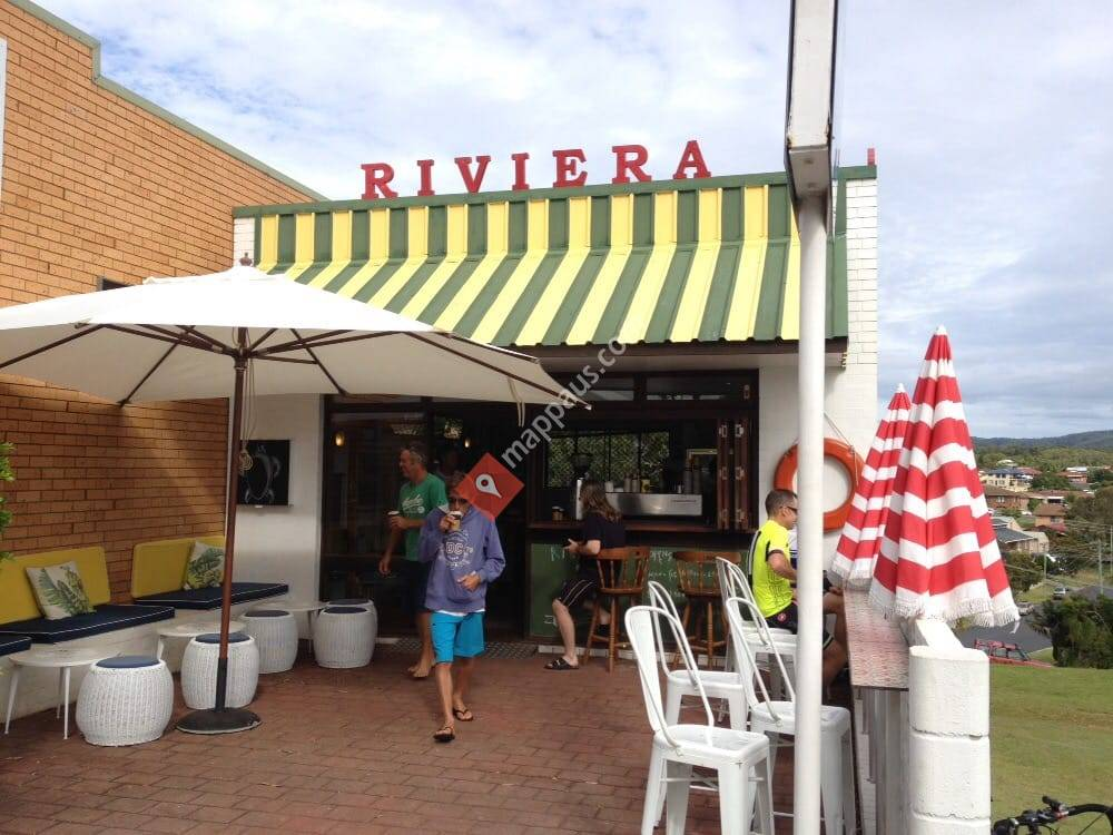 Riviera Top Shoppe
